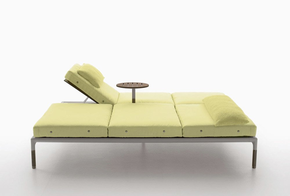 Sun beds and chaise longue chaise longue springtime by b for Chaise longue classic design italia