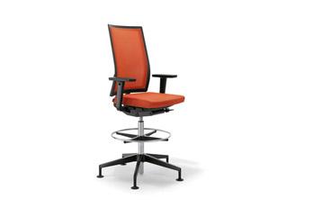 Petit fauteuil B_Run Counter Chair