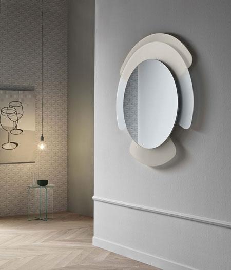 Mirror Opalina