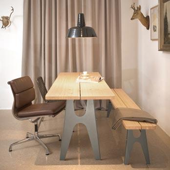Table Ludwig