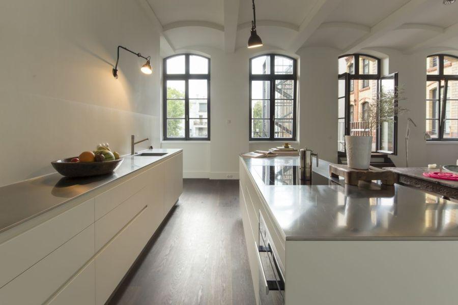 Eine einmalige, delikate Küche in einer ehemaligen Molkerei in Berlin